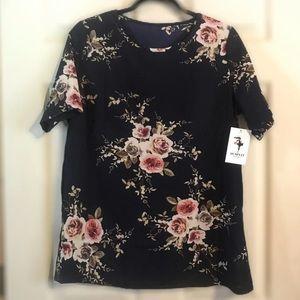 NWT Floral Short Sleeve Top Sz XL